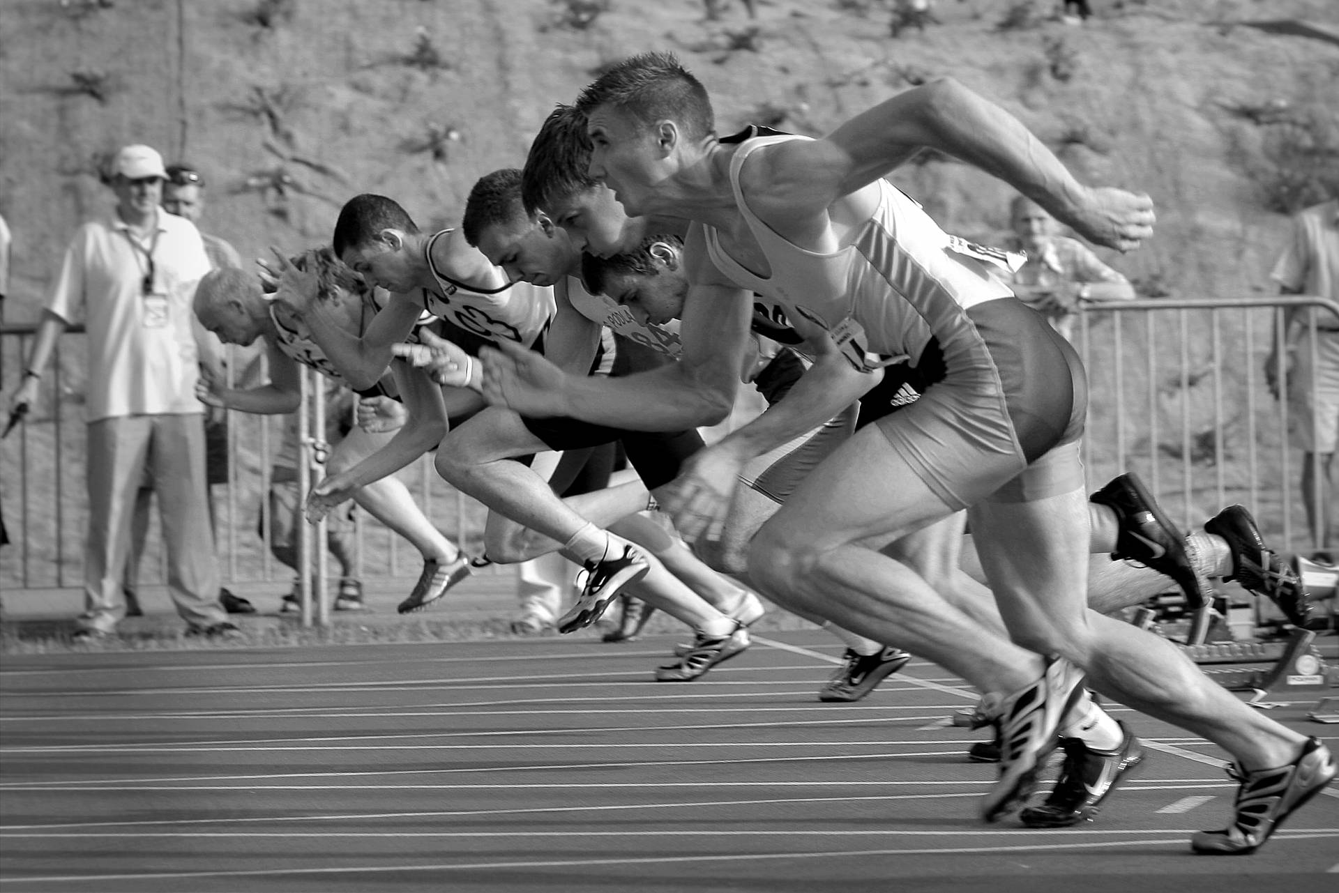 11 Tips for Creating Your Brand vs. Observing Competitors